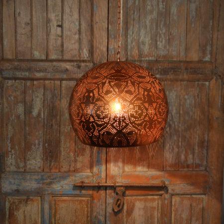 Filigrain lamp   Oosterse hanglampen   Vintage koper   Gaatjes lamp   Metaal   Oosters interieur   Marokkaanse inrichting   Arabische sfeer