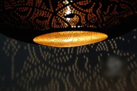 Oosterse filigrain lamp Arabische sfeerverlichting Oosters interieur Marokkaanse meubelen