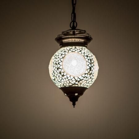 Oosterse hanglampen Oosters interieur met mozaïek lampen