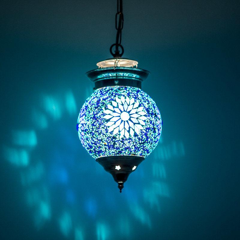 Oosterse hanglampen mozaïek Oosters interieur sfeervol blauwe lamp