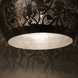 https://kalini.nl/wp-content/uploads/2018/04/Oosterse-lamp-filigrain-detail.jpg