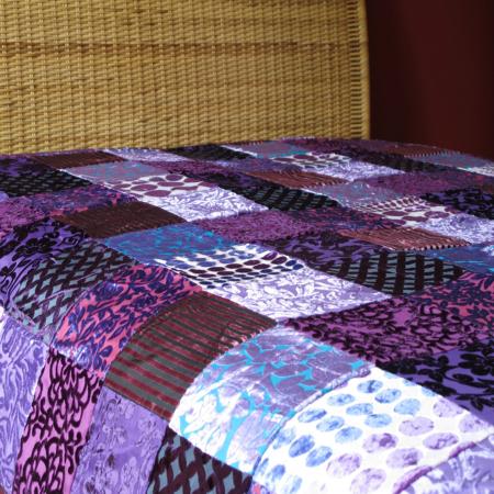 Oosterse bedsprei | Patchwork spreien | Marokkaanse kussens en poefen | Arabische meubels