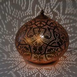 Oosterse tafellamp | Filigrain | Marokkaanse lampen | Arabische verlichting | Oosters interieur | Kalini
