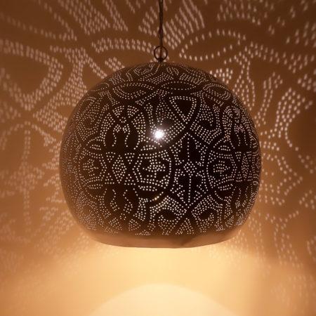 Oosterse hanglamp filigrain Arabische lamp met gaatjes en metaal buitenkant wit binnenkant goud prachtige Oosterse lampen