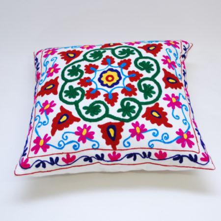 Oosters sierkussen | Embroidery | Kleurrijke Oosterse kussens | Marokkaanse kussens en poefen