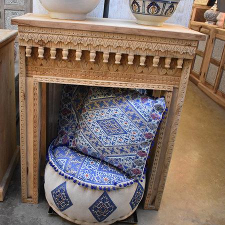 Oosterse sidetable | India meubels Jodhbur | Hal kastje | Antieke meubels | Eigen import | Beste prijzen | Handgemaakt | Houtsnijwerk | Oosterse inrichting
