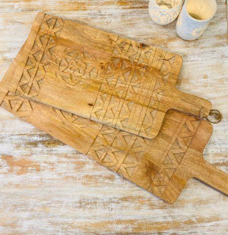 Oosterse accessoires | Oosterse inrichting | Massief houten tapasplank met luxe houtsnijwerk nu online bij Kalini