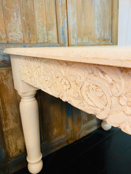 Oosterse eettafel whitewashed | Oosterse tafel | Kalini meubel | Marokkaanse tafel | Oosters interieur | Moderne Oosterse meubelen