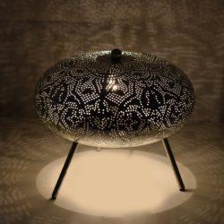 Oosterse tafellamp | Zilver | Filigrain | Nieuw in de collectie | Gaatjeslamp | Metaal | Kalini | Oosterse lamp