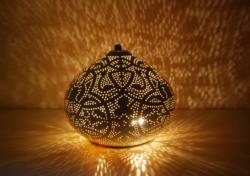 Oosterse tafellamp | Marokkaanse tafellampen | Oosters interieur | Vintage wit goud | Oosterse sfeer | Kalini