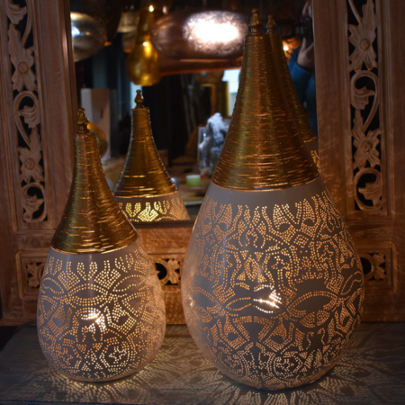 Oosterse tafellampen | Arabische filigrain lampen | Moderne Oosterse verlichting | Gaatjes effect | Ruime collectie supersnelle levering nu bij Kalini!