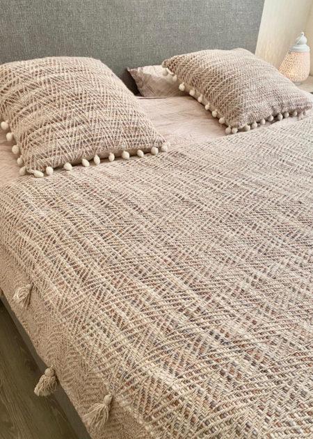 Oosterse sprei | Marokkaanse plaids | Bedkleed | Arabische sprei | Marokkaanse slaapkamer | Oosterse nachtkastjes | Kalini