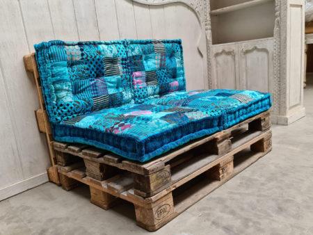 Oosterse palletkussen set | Turquoise palletkussens | Stevige Oosterse kussens | Katoen | Kalini | Complete set voor op de palletbank of loungeset nu online bij Kalini