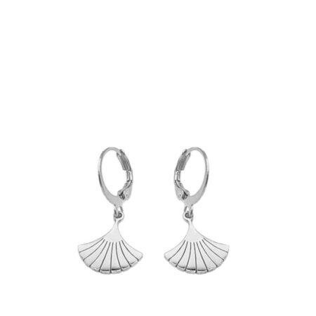 Stainless steel oorringetjes met een stainless steel ginkgo blaadje. | Oosterse sieraden nu bij Kalini | Handgemaakt | unieke sieraden voor haar
